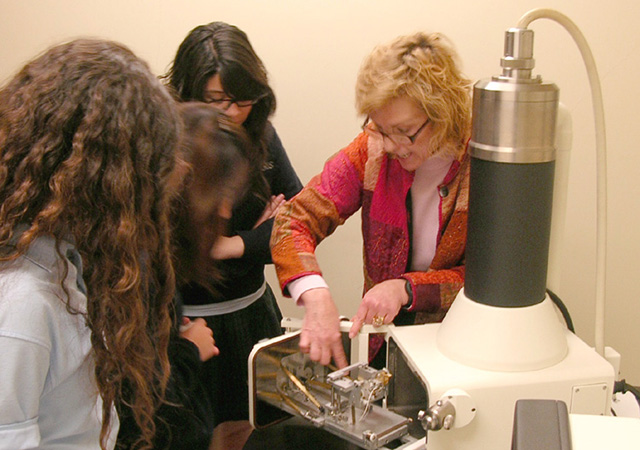 Bridging the Gap; USD Biology Professor Lisa Baird works with students