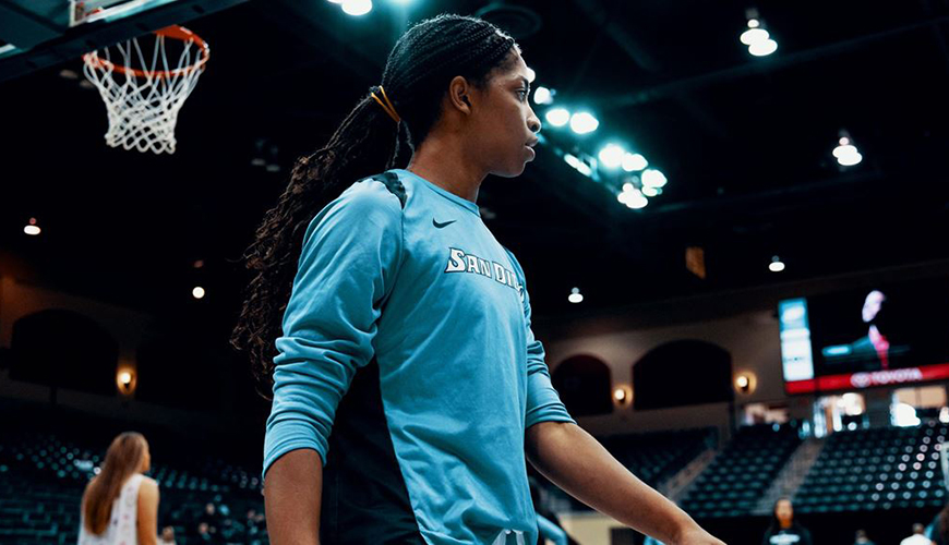 Myah Pace, USD women's basketball