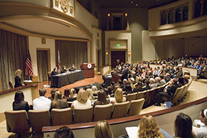 Paul A. McLennon, Sr. Honors Moot Court Competition