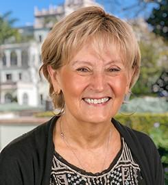 Dr. Lea Hubbard