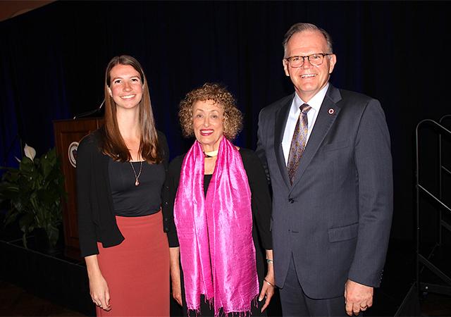 Erin Lupfer '17, Susanne Stanford '75, President Harris