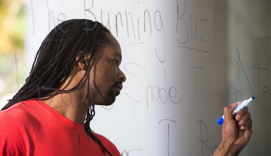 Former USD English Professor Jericho Brown made a triumphant return, now as a 2020 Pulitzer Prize-winning poetry author. He was the featured speaker for the Lindsay J. Cropper Memorial Writers Series.