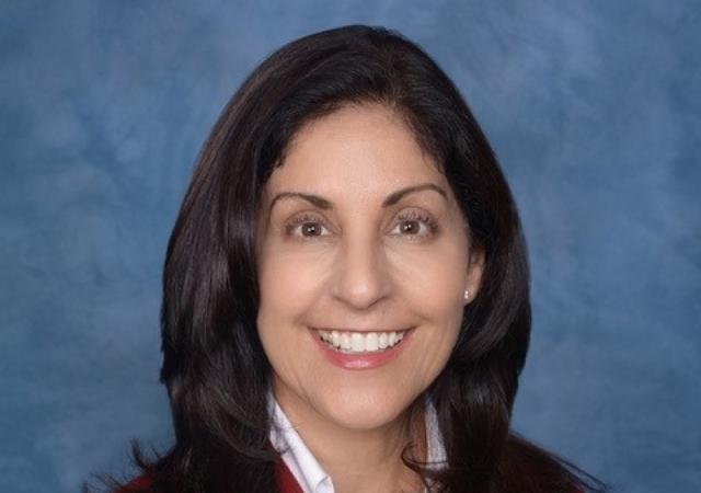Alumna Sharon Spivak