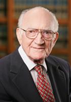 Carl A. Auerbach headshot