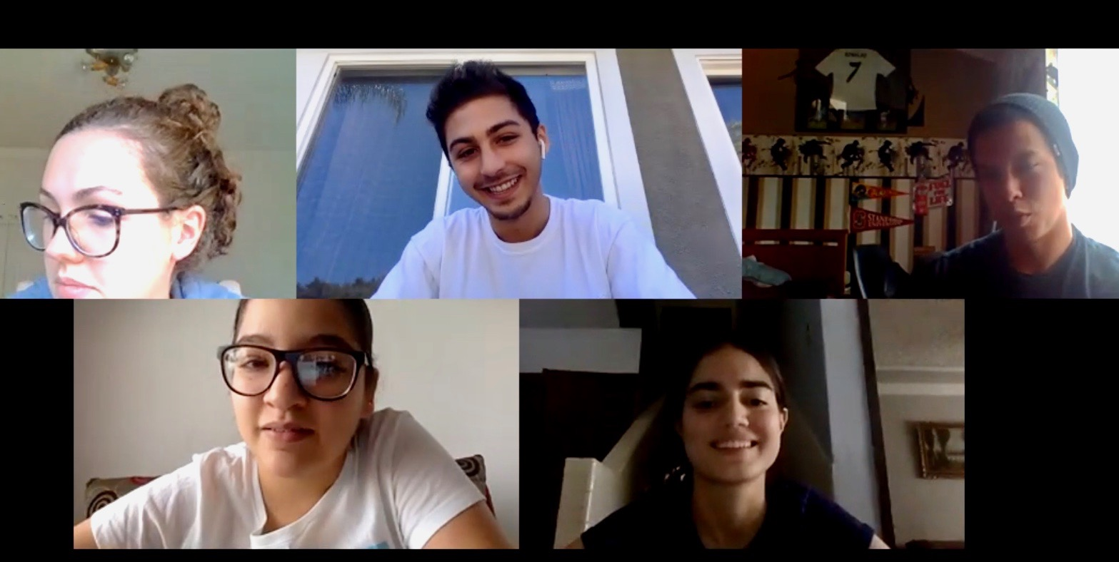 Students from the University of San Diego and Tec de Monterrey meet on Zoom for a virtual class project