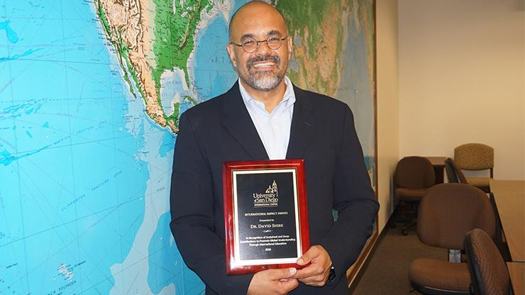 David Shirk, PhD, associate professor of Political Science and International Relations and director of the Justice in Mexico project, received USD's International Impact Award on Monday.