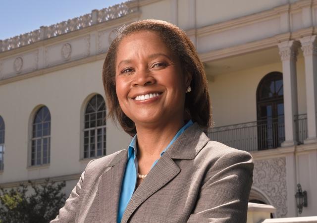 Professor Mary Jo Wiggins