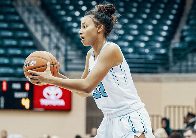 Sydney Hunter had 11 points and 12 rebounds to help the USD women's basketball team win its first West Coast Conference game of the season on Monday versus Loyola Marymount.