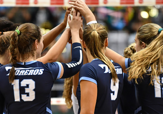 USD Women's Volleyball team