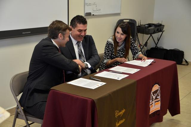 signing the convenio