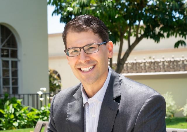 Herzog Endowed Scholar and Professor of Law Dov Fox