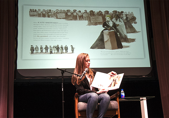 Chelsea Clinton, She Persisted Book
