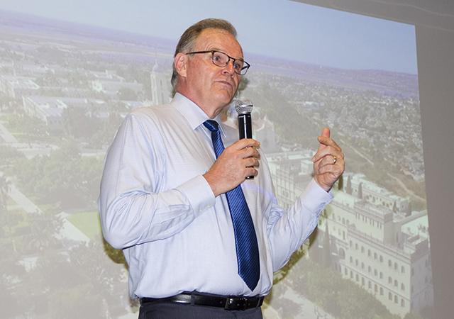 President Harris speaks to U3A audience