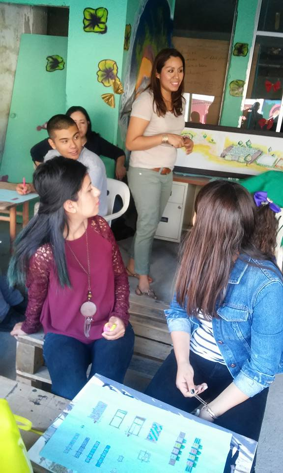 Bianca Alvarado leading a hands-on S.T.E.A.M. workshop for youth in Tijuana