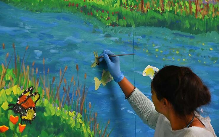 Ravleen paints a fish