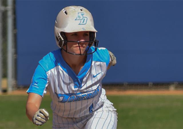 Taylor Spence, Softball