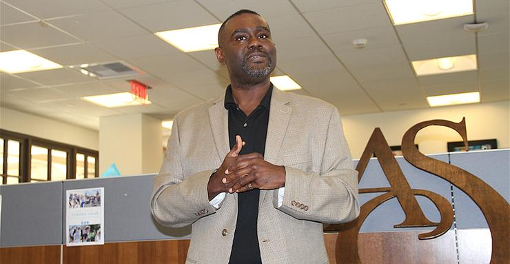 Dwayne Crenshaw, CEO of RISE San Diego, spoke to a group of USD students, staff and faculty about leadership and more during a Black History Month event on Feb. 22.