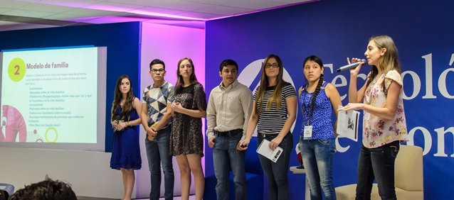 Students from the Tec ce Monterrey present their work