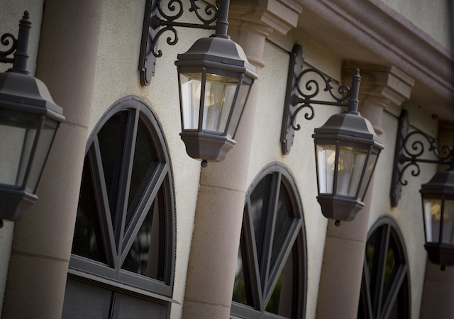exterior lamps on USD  building