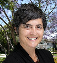 Photograph portrait of USD professor Dr. Lisa Nunn.