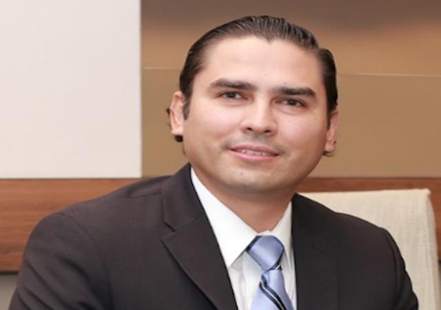 Cesar Buenrostro Headshot